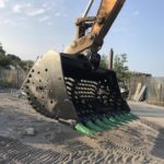52 Ton Riddle Bucket